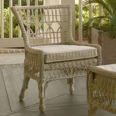 7 Bright Tips: Vintage Wicker wicker carpet.Wicker Couch In Living Room wicker sofa lounge chairs. Cottage Furniture, Rattan Furniture, Funky Furniture, Dining Room Furniture, Dining Chairs, Room Chairs, Coastal Furniture, Outdoor Furniture, Furniture Styles