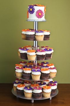Cup cakes I would like to incorporate somehow, possibly for the rehearsal dinner?