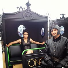 The Evil Queen rides. at Comic Con. @ San Diego Comic-Con International I cannot get over how gorgeous she is! Best Tv Shows, Best Shows Ever, Favorite Tv Shows, Once Upon A Time, Breathing Fire, Ouat Cast, Between Two Worlds, Regina Mills, Outlaw Queen