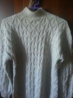 Maglione di lana realizzato con i ferri