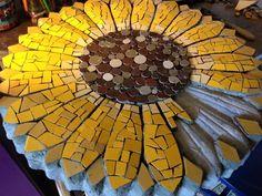 Resultado de imagem para prato giratorio em margarida em mosaico
