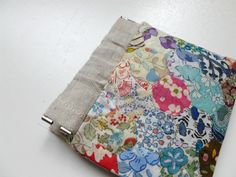 Where the Orchids Grow.: Tutorials & free patterns How to put hexies  together to make this purse.