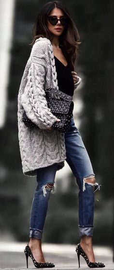 #spring #outfits woman wearing coat. Pic by @milano_streetstyle