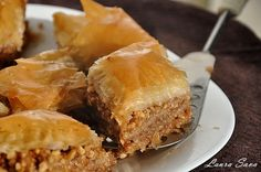 Baclava Romanian Food, Romanian Recipes, Spanakopita, Something Sweet, Finger Foods, Food And Drink, Cooking Recipes, Sweets, Homemade