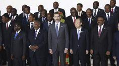 El secretario general de la ONU, Ban Ki-moon, ha dado al rey de España su pésame por la muerte del cabo Soria. Ha sido en un encuentro que han mantenido en Etiopia durante la Cumbre de la Unión Africana que ha comenzado en Addis Abeba. Un viaje de Don Felipe que coincide con su primer cumpleaños como rey -cumple 47 años-. 30/1/2015 (Video)