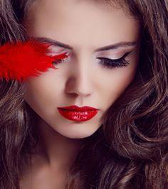 Aujourd'hui, sur le blog, on vous dévoile les astuces beauté qui vous permettront d'être au top à la Saint Valentin : maquillage, cheveux, soins des mains, des pieds, épilation. On a fait le tour pour vous. #beaute #soins #blog #saintvalentin