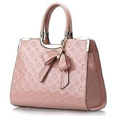 gorgeous louis vuitton monogram handbag i would die for it in this beautiful baby pink