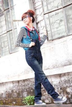 2012New Arrival Women's Suspender Denim Pant with Single Breasted