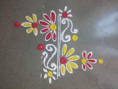 Simple Rangoli Designs Images, Rangoli Designs Flower, Rangoli Border Designs, Colorful Rangoli Designs, Rangoli Ideas, Rangoli Designs Diwali, Flower Rangoli, Easy Rangoli, Beautiful Rangoli Designs