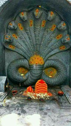 Vasuki Naag Shiva Linga, Mahakal Shiva, Shiva Art, Hindu Art, Lord Murugan Wallpapers, Shiva Lord Wallpapers, Arte Krishna, Lord Shiva Hd Images, Lord Shiva Family
