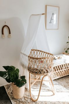 Our ever popular newborn baby rattan bassinet comes with a FREE mattress and removable veil stand. Baby Room Boy, Baby Bedroom, Baby Room Decor, Nursery Room, Kids Bedroom, Bohemian Baby Nurseries, Bohemian Nursery, Baby Bassinet, Küchen Design