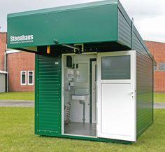 Frontansicht Steenhaus: Das Steenhaus mit seinen 2,5 x 3 Meter-Außenmaßen kann ohne Baugenehmigung aufgestellt werden.