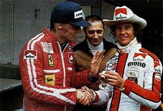 Niki Lauda (Ferrari presenting Arturo Merzario (Walter Wolf Racing Williams-Ford with the gold Rolex he won when setting pole at Monaco earlier that year out of gratitude for saving his life, 1976 World Championship Ferrari Racing, Ferrari F1, F1 Racing, Road Racing, Grand Prix, Formula 1, Aryton Senna, Monaco, Gp F1