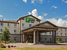 Chippewa Falls (WI) Holiday Inn Express Hotel & Suites Eau Claire North United States, North America Holiday Inn Express Hotel & Suites Eau Claire Nort is a popular choice amongst travelers in Chippewa Falls (WI), whether exploring or just passing through. The hotel offers guests a range of services and amenities designed to provide comfort and convenience. Free Wi-Fi in all rooms, 24-hour front desk, facilities for disabled guests, family room, laundry service are there for g...
