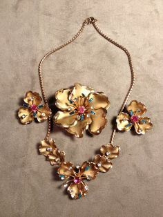 REDUCED!! Vintage rhinestone 4 piece demi parure - necklace, earrings and brooch on Etsy, $48.50