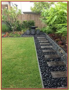 48 Small Backyard Landscaping Ideas with Rocks & Pool on a Budget 48 kleine Garten Landschaftsbau-Ideen mit Rocks & . Backyard Patio Designs, Small Backyard Landscaping, Mulch Landscaping, Black Rock Landscaping, Backyard Seating, Diy Landscaping Ideas, Mailbox Landscaping, Modern Backyard, Backyard Fences