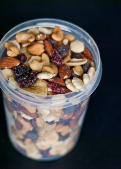 How To Make Healthy Sweet and Salty Trail Mix | Neighborfoodblog.com #sundaysupper
