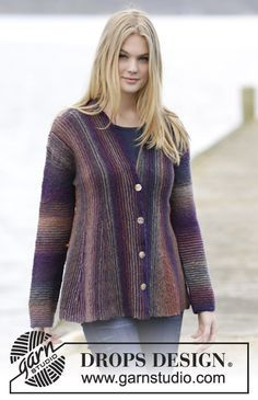 "Knitted DROPS jacket in garter st with pleats and shawl collar, worked sideways in ""Delight"". Size: S - XXXL. ~ DROPS Design"