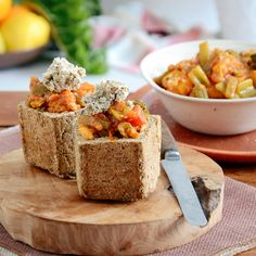 Don't miss out on tasty, finger licking, Bunny Chows! HEBA bread makes it Banting friendly! Recipe: bit.ly/BantingBlvdBlog Low Carb Veggies, Vegetable Curry, Tasty, Yummy Food, Banting, Chow Chow, How To Make Bread, Cherry Tomatoes, Real Food Recipes