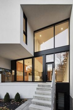 Modern home with outdoor and front yard. Photo  of 1st Avenue Residence