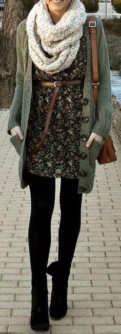 #winter #fashion / vestido estampado de flores + capas de punto