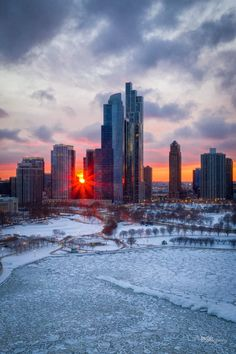 South Loop, Visit Chicago, Photo Credit, Illinois, New York Skyline, Sunrise, Beautiful Pictures, Around The Worlds, Architecture