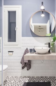 A small bathroom can be stylish, practical and, with the right know-how, space-efficient. Take a look at our best small bathroom design ideas to inspire you to. Best Small Bathrooms Decor and Design Ideas Half Bathroom Decor, Bathroom Design Small, Bathroom Renos, Bathroom Interior, Bathrooms Decor, Small Bathrooms, White Interior Design, Scandinavian Interior Design, Scandinavian Style