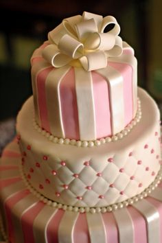 Click for more Classic Wedding Cakes by The Icing - The Icing - Picasa Web Albums
