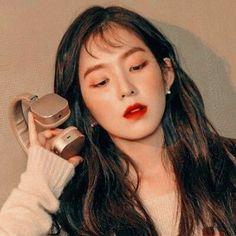 Seulgi, Red Velet, Girl Artist, Kim Yerim, Red Velvet Irene, Girl Bands, Lip Art, Girl Crushes, Girl Photos