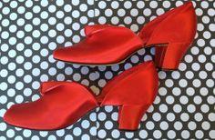 http://www.etsy.com/uk/listing/169197533/1940s-daniel-green-hostess-slippers?ref=sr_gallery_20&ga_search_query=daniel+green&ga_search_type=all&ga_view_type=gallery