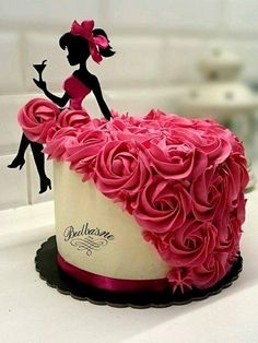 Bridal shower Cake - Bridal shower Cake Source by - Birthday Cake Cookies, Cool Birthday Cakes, Birthday Cake Girls, Birthday Ideas, Happy Birthday Cakes For Women, Birthday Cake Designs, Women Birthday, 17th Birthday, Silhouette Cake