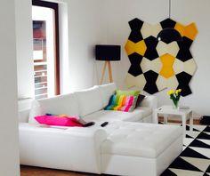 Salon z panelami ściennymi Fluffo ;). Mieszkanie prywatne. Kolekcja Fluffo CHAIN w kolorach Ecru, Pure Black & Lemon Chrome.
