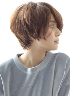 大人かっこいい 柔らかいショートレイヤー クール Short Bob Hairstyles, Cool Haircuts, Easy Hairstyles, Short Hair Cuts, Short Hair Styles, Hair Images, Pixie Cut, Hair Inspo, Hair Goals
