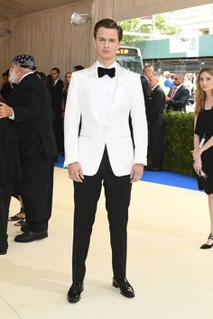 Wedding Suits What your favorite celebrities wore to the 2017 Met Gala. - See every single red carpet look from fashion's biggest night, the Met Gala 2017 at the Metropolitan Museum of Art. Groom Tuxedo, Tuxedo For Men, Tom Ford Tuxedo, Tuxedo Suit, Wedding Suits, Wedding Attire, Wedding Tuxedos, Wedding Couples, Wedding Ideas
