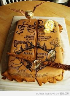 Marauder's Map, Harry Potter #cake. This could also be made into a pirate treasure map cake.