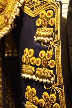 """""""Suit of Lights"""" toreador jacket Spain Matador Costume, Mexican Costume, Fashion Sewing, Women's Fashion, Evolution Of Fashion, New Thought, Gold Embroidery, Gold Work, Yellow Fashion"""