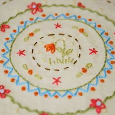 You Go Girl blog - circle with flower doodle (would also be great on Cre's purse!)