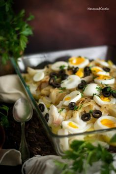 Bacalao a la Portuguesa. Receta de Cuaresma – Atıştırmalıklar – Las recetas más prácticas y fáciles Chicken Salad Recipes, Fish Recipes, Seafood Recipes, Cooking Recipes, Healthy Recipes, Mediterranean Fish Recipe, Lunch To Go, Portuguese Recipes, Slow Food
