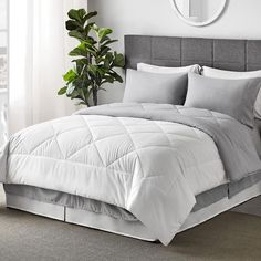Make your bedroom complete with these white cotton bedding sets they give your bedroom look fabulous and feel energetic. #whitebeddinginabag #bedinabag #cottonbeddingsets