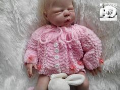 layette tricot point vague fantaisie avec roses satin naissance plus d infos ici http://www.alittlemarket.com/boutique/reborneuse_shop-710861.html