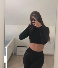 Bad Girl Aesthetic, Aesthetic Fashion, Look Fashion, Aesthetic Clothes, Girl Photo Poses, Girl Photography Poses, Girl Photos, Teenager Outfits, Girl Outfits
