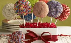 Sugar Cookie Pops | Safeway  I just entered the @Safeway Pinterest sweeps for a chance to win a gift card!  #SafewayHoliday