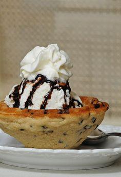 Chocolate chip cookie Ice cream bowl