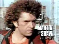 'The Professionals' originally ran from 1977 to starring Martin Shaw as Raymond Doyle, Gordon Jackson as George Cowley, and Lewis Collins as William Andrew Philip Bodie. Uk Tv Shows, Great Tv Shows, The Professionals Tv Series, Nostalgia 70s, Martin Shaw, Theme Tunes, Tv Icon, I Do Love You, Tv Themes