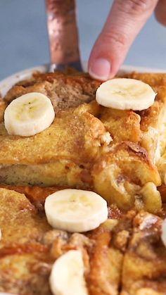 Banana French Toast, French Toast Bake, Recipe For French Toast, Baked French Toast Overnight, Crockpot French Toast, Healthy French Toast, Baked French Toast Casserole, Overnight Oats, Baked Banana