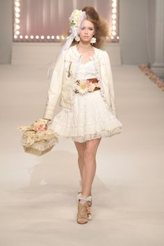Liz Lisa Tokyo - Spring Summer 2011 Ready-To-Wear - Shows - Vogue. 70s Fashion, World Of Fashion, Runway Fashion, Lisa Japan, Cute Dresses, Flower Girl Dresses, Popteen, Liz Lisa, Dress Outfits