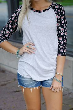 I love the sleeves!! Very good for every day