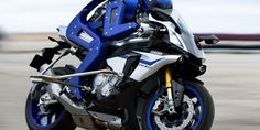 Yamaha built a motorcycle-driving robot
