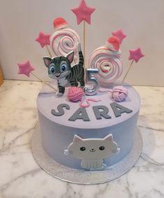 Tarta buttercream gato. Birthday Cake, Desserts, Food, One Year Birthday, Pies, Sweets, Tailgate Desserts, Deserts, Birthday Cakes