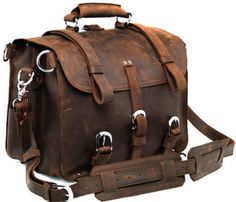 This versatile bag allows you to wear it as a travel bag, backpack or shoulder bag.--Large Leather Travel Bag